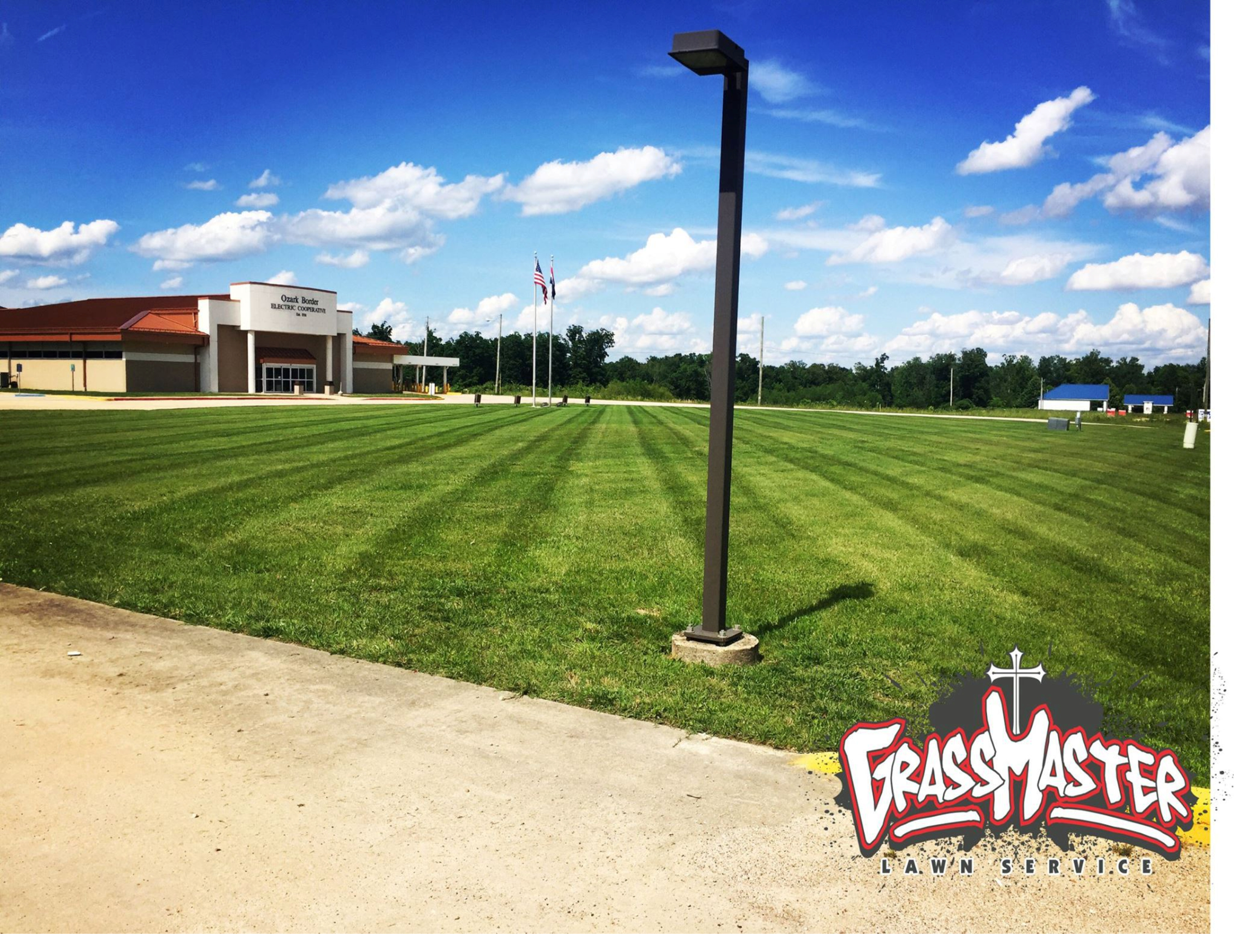 Lawn Mowing Poplar Bluff, MO | GrassMaster Lawn Service